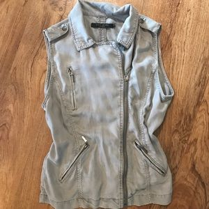 Casual vest in gray from Max Jeans. Sz M